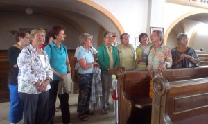 Gruppenfoto Kirche